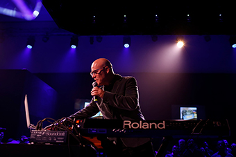 """Thomas Dolby Live in Roland Cloud,"" a historic first-ever concert streamed live in Roland Cloud"